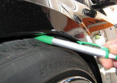 Der Radlauf bietet noch nicht genug Platz für diese Rad-Reifen-Kombination